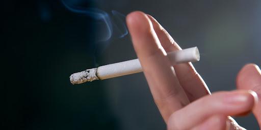 O Cigarro e os Olhos